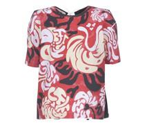 Kurzärmeliges und auf dem Rücken verknotetes T-Shirt