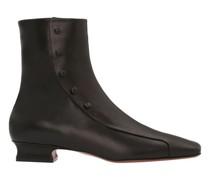Boots mit Knöpfen