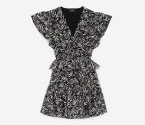 Kurzes Kleid und Zebramuster