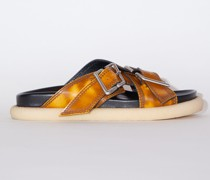 Flache Sandalen mit Schnallen