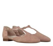 Ballerina mit Riemchen