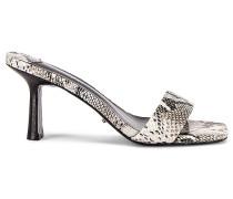 Kosmetik Sandale