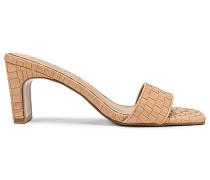 Arrow Heel