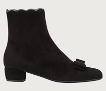 Vara bow studded bootie