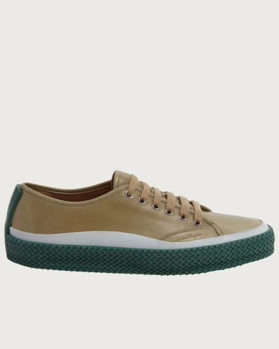 Sneaker with texturized sole