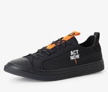 Sneaker - Act Now