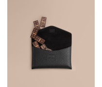 Domino-Set aus Holz mit Etui aus genarbtem Leder