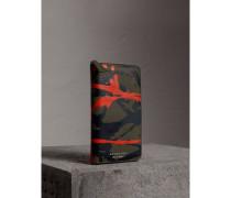 Brieftasche aus Trench-Leder im Farbklecks-Design mit umlaufendem Reißverschluss