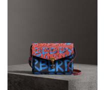 Kleine Crossbody-Tasche aus Leder mit Graffiti-Muster