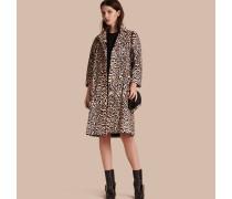 Mantel aus Lammfell mit Leopardenmuster