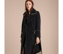 Körperbetonter Mantel aus Wolle mit kontrastierenden Details