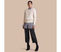 Pullover aus Wolle und Kaschmir mit Zopf- und Rippstrickmuster