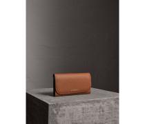 Brieftasche im Kontinentalformat aus Leder mit Münzbörse