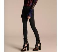Skinny-Jeans im Armeestil