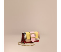 The Mini Buckle Bag aus Natternleder und House Check-Gewebe