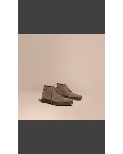 burberry herren desert boots aus veloursleder mit. Black Bedroom Furniture Sets. Home Design Ideas