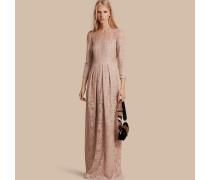 Kleid aus italienischer Spitze
