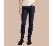 Körperbetonte Jeans in intensivem Selvedge-Denim