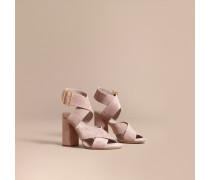 Sandalen aus Veloursleder mit Schnallendetail