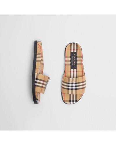 Slides im Vintage Check-Design