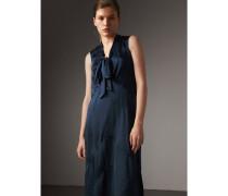 Kleid aus gewaschenem Seidensatin mit Schleifendetail