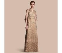 Kleid aus floraler Tüllspitze
