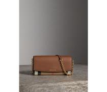 Brieftasche aus House Check-Gewebe und Leder mit Kettenriemen