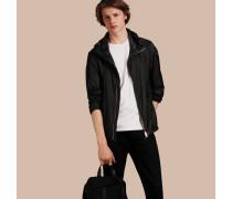 Besonders leichte Jacke mit Kapuze