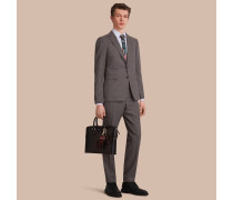 Körperbetonter Anzug aus Wollflanell