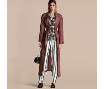 Ein Mantel im Morgenrock-Design aus Panamaseide mit Paisleymuster
