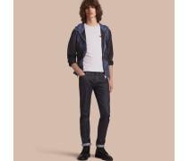 Besonders leichte Jacke aus technischer Faser mit Kapuze und geometrischem Motiv