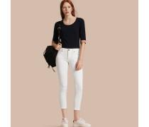 Eng geschnittene, kurze Jeans mit niedriger Leibhöhe