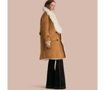 Zweireihiger Mantel aus Lammfell