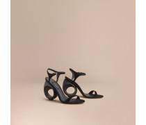 Sandalen mit formschönem Absatz