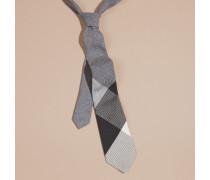 Modern geschnittene Krawatte aus Kaschmir und Seide in Check