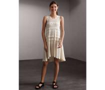 Kleid mit Lochmuster und Festonrandpanels