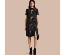 Kleid mit von Hand aufgestickten Pailletten