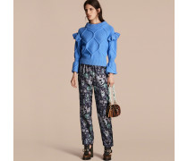 Pullover aus Wolle und Kaschmir mit Zopfmuster und gerüschten Glockenärmeln