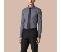 Modern geschnittenes Hemd aus Stretchbaumwolle