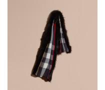 Schal aus Wolle und Kaschmir mit Enokpelzbesatz und Karomuster