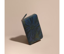 Brieftasche in London Check mit floralem Motiv und umlaufendem Reißverschluss