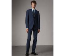 Modern geschnittener Anzug aus Wolle und Mohair