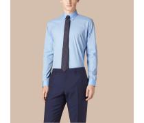Modern geschnittenes Hemd aus Stretchbaumwolle mit Button-down-Kragen