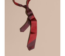 Schmal Geschnittene Krawatte Aus Seidenjacquard Mit Streifenmuster