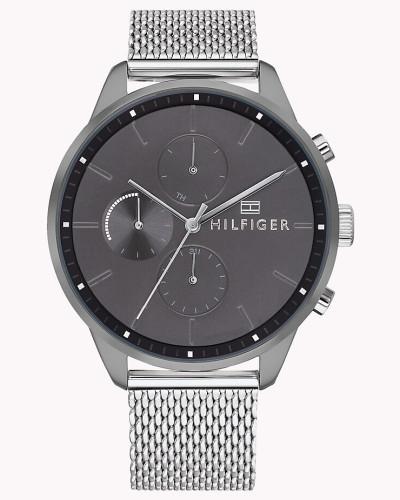 Armbanduhr mit dunklem Zifferblatt und Mesh-Armband