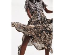 Zendaya Rock mit Schlangenhaut-Print