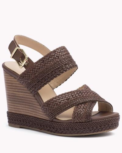 tommy hilfiger damen gewebte sandale mit keilabsatz. Black Bedroom Furniture Sets. Home Design Ideas