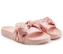 Sandalen mit Seidenschleife