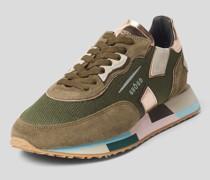 Sneaker mit Colour-Blocking