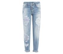 Boyfriend Jeans mit Distressed Elementen